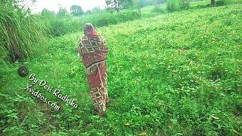 Akshara singh video song download porn saree